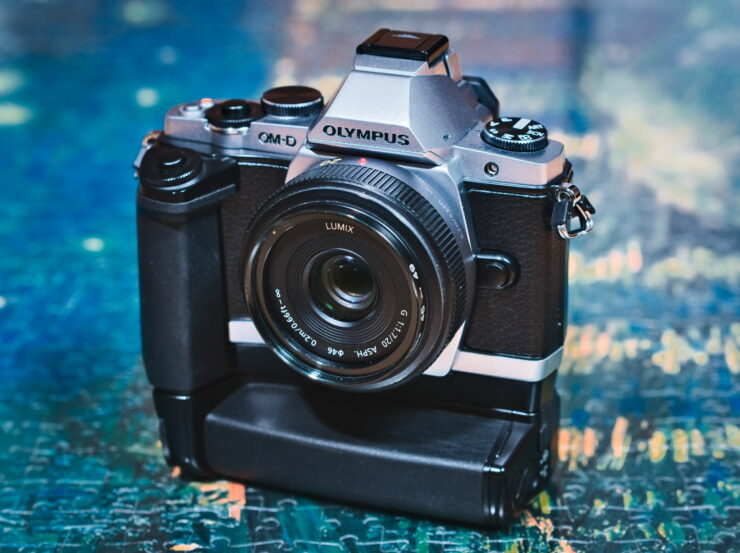 Olympus OM-D E-M5 in 2020 with HLD-6